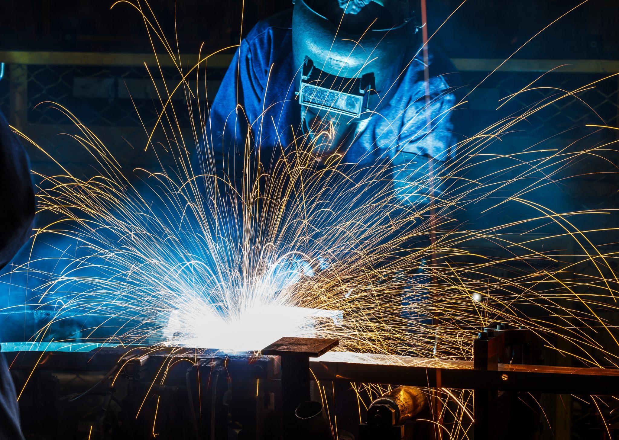 Pracovník montáže – svářeč bodovou metodou